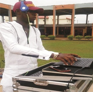 Why I prefer DJing – TeeCash