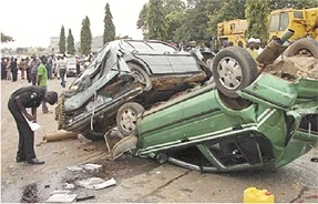 Toddler, 4 others die in autocrash