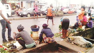 Akure street trading and roadside parking menace