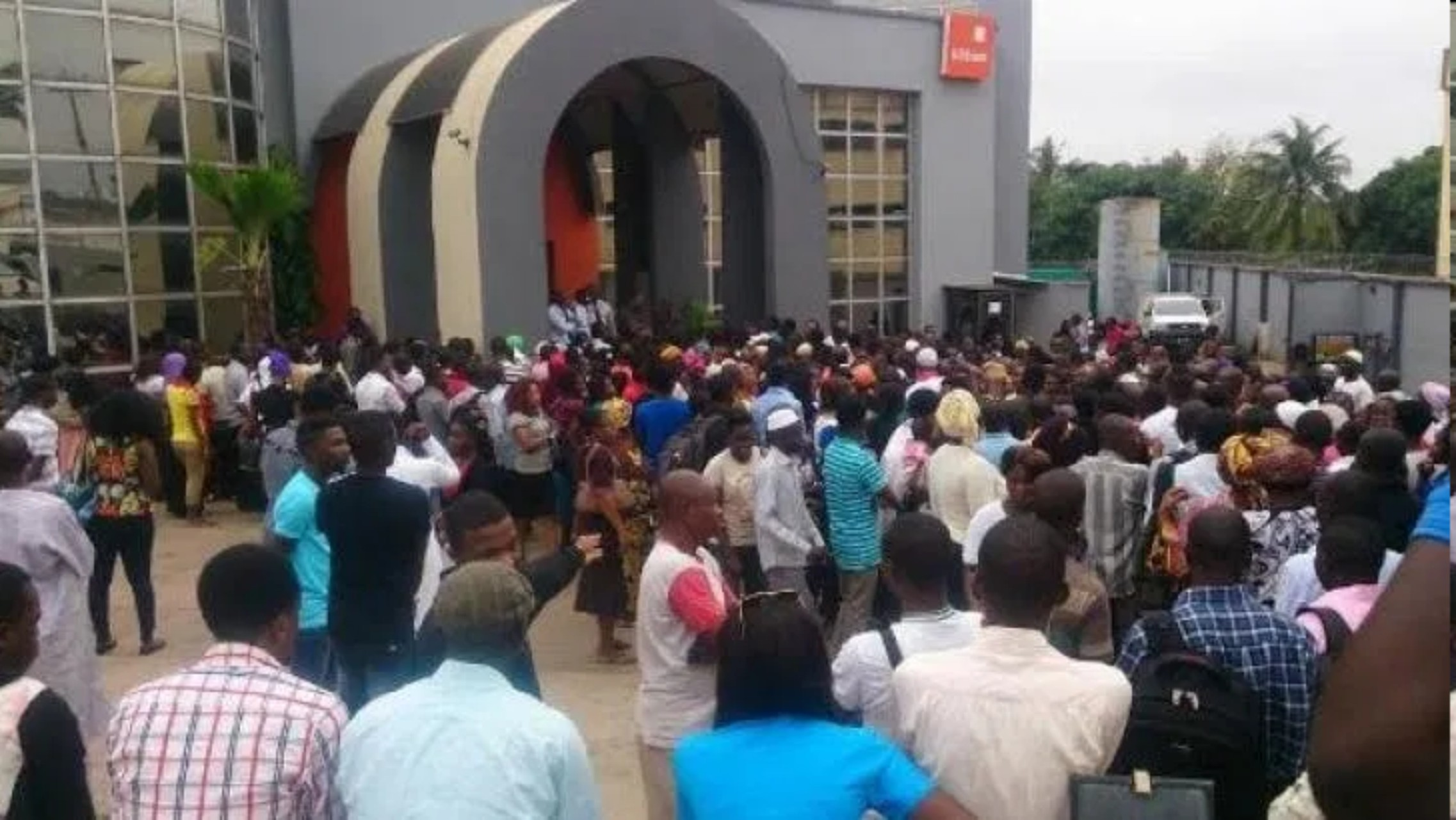 Customers cry out over banks' charges, services