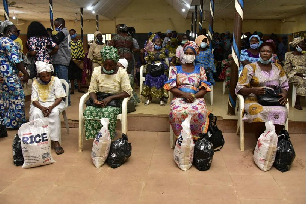 3,000 widows benefit Gov wife's palliatives