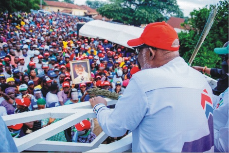 Massive turn out as Akeredolu/ Aiyedatiwa campaign rally continues